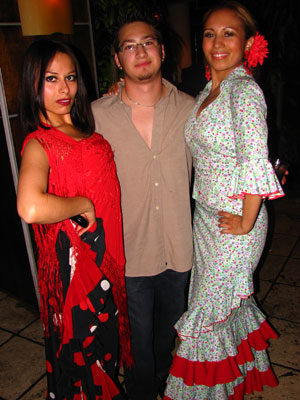 Flamenco dancers Ginette and Isabelita Otero with guitarist Mateo Romero at Cabanas